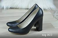 Женские туфли на каблуке черные натуральная кожа