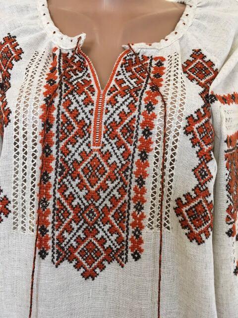 Вишиванка жіноча ручної роботи. Розмір  приблизно  Український 46-48   Міжнародний L-XL  13bbacfbdd89d