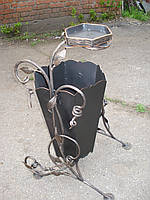 Кованая корзина для мусора с пепельницей