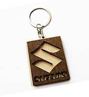 Брелок деревянный Suzuki