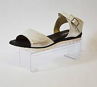 Белые босоножки с серебристой патиной Lan- Kars 24