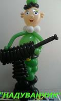 Солдат з повітряних кульок