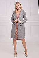 Стильное женское пальто с красивым широким воротом