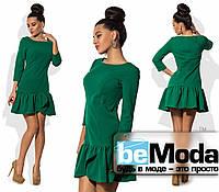Милое женское платье с отрезной клешной юбкой зеленое
