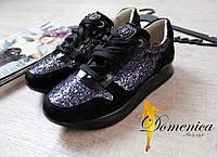 Черные кроссовки женские