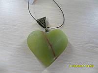 Кулон из натурального камня нефрит.