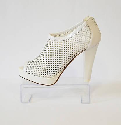 Белые босоножки на каблуке Caroline 765, фото 2