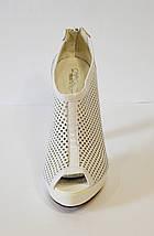 Белые босоножки на каблуке Caroline 765, фото 3