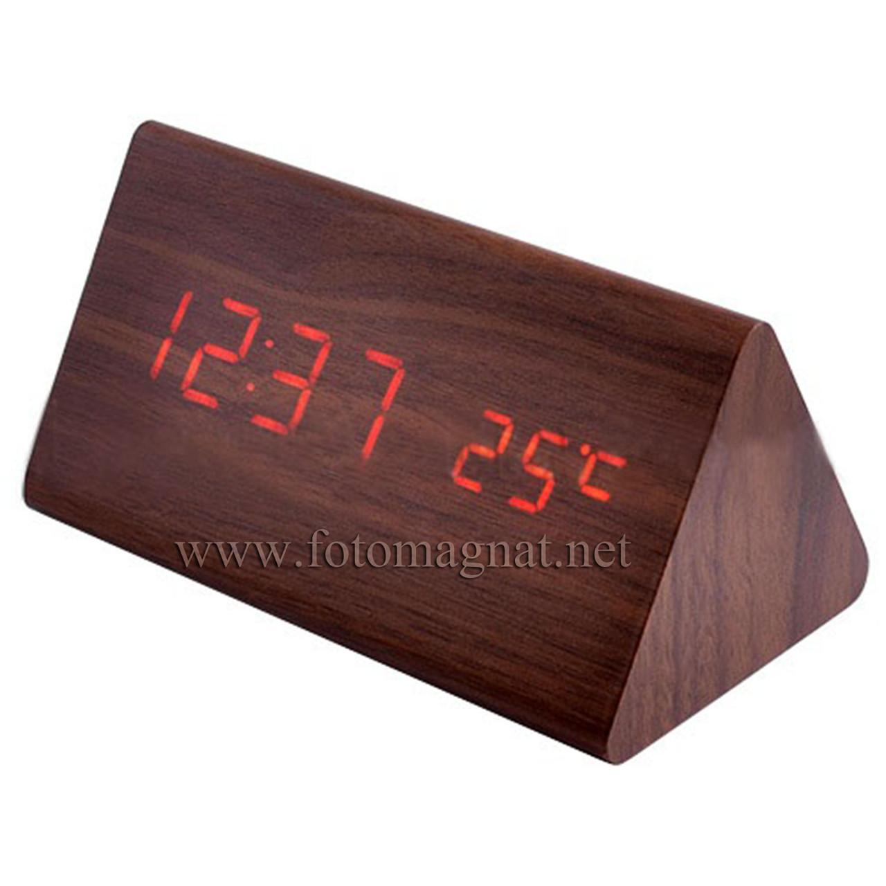 Часы настольные 861-1, сетевые и аккумуляторные, красного цвета