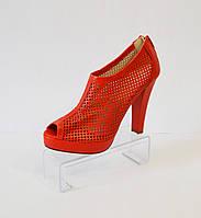Красные босоножки на каблуке Caroline 765