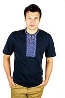 Чорна вишита синім узором футболка