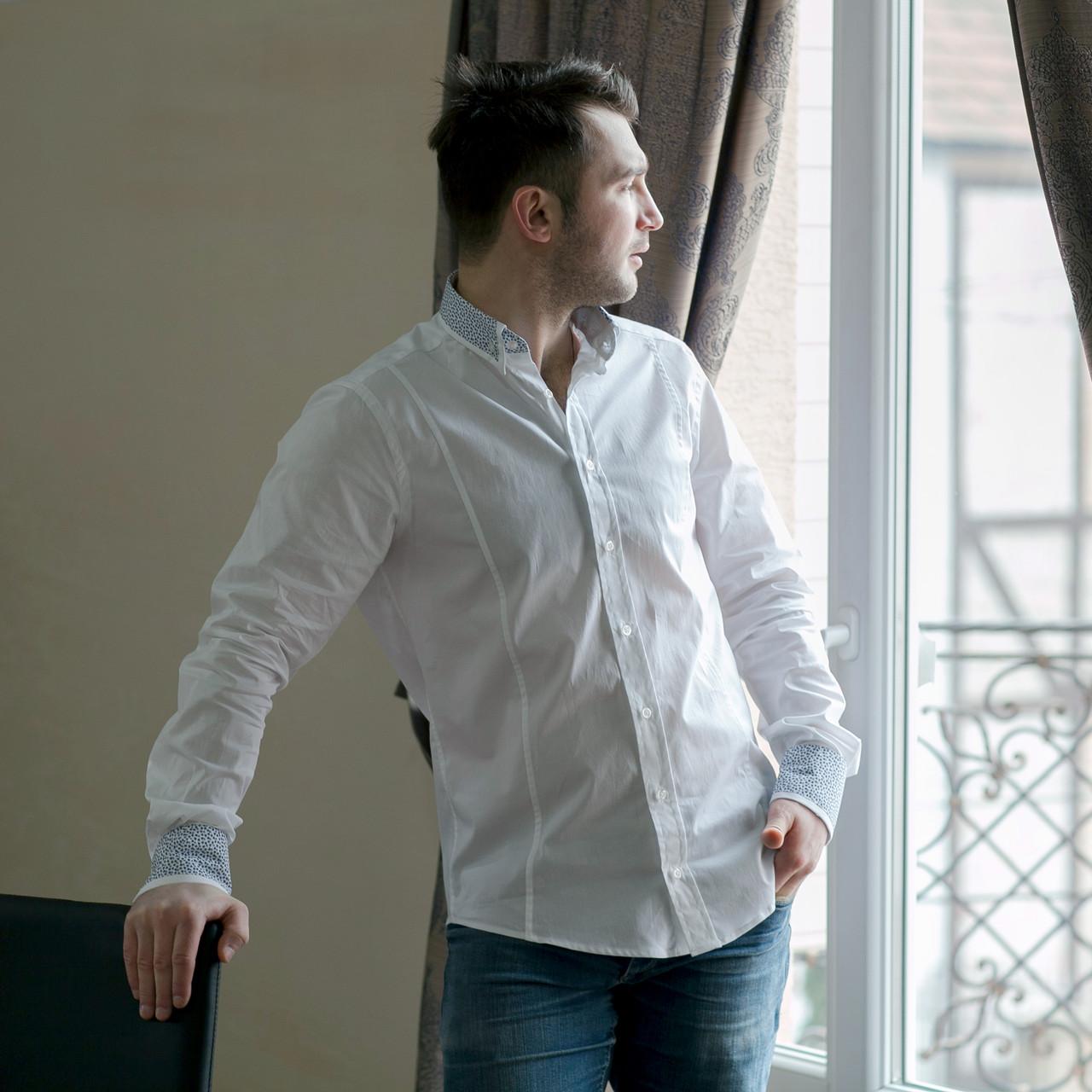 fbc9e9db8684ec2 Стильная мужская рубашка белого цвета с двойным воротником и ...