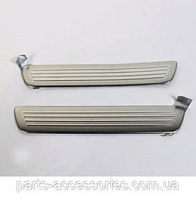 Внутренние накладки на задние дверные пороги Mercedes A A-Class W176 2012-17 Новые Оригинальные