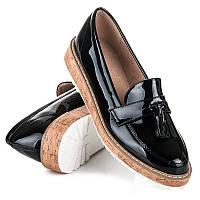 Кожаные женские туфли лоферы черного цвета на плоской подошве