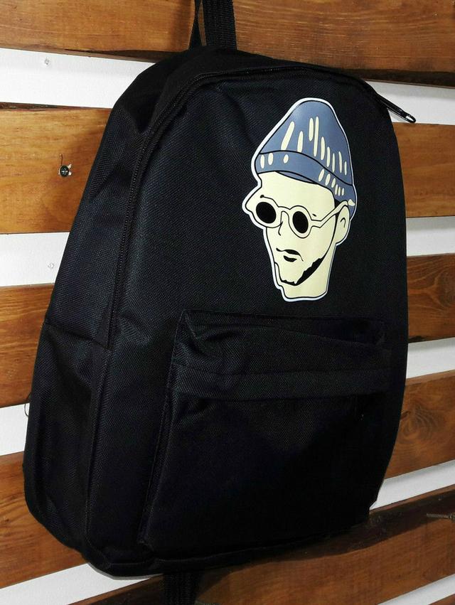 Стильный рюкзак с лицами