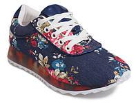 Красивые, яркие женские кроссовки от производителя