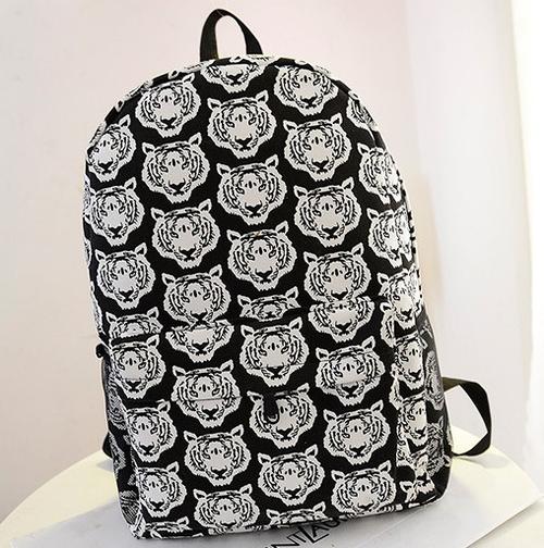 Черно-белый городской рюкзак с тиграми