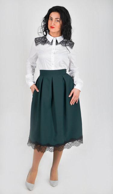 Стильная пышная юбка с кружевом, длины миди, цвета бутыль
