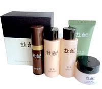 Набор косметики омолаживающий с травами по древним рецептам HANYUL Best Skin Care 18+18+15+5+5мл