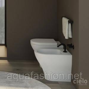 Итальянский приставной напольный унитаз с крышкой Cielo Enioy