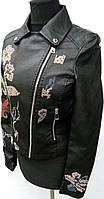 Женская куртка с вышивкой   F 606