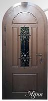 """Двери входные со стеклопакетом и ковкой арочная """"АДИЯ"""""""