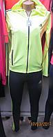 Салатовый спортивный костюм с капюшоном
