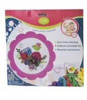 Набор для творчества с разными аксессуарами и приспособлениями для вышивания  крестиком Цветы и птицы в розовой рамке,57899