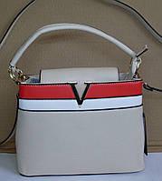 Модельная женская сумка-клатч LV молочного цвета