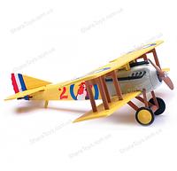 Игрушечная модель самолета SPAD S.VII