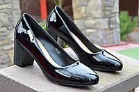 Туфли женские лаковые черные на удобном каблуке 2017