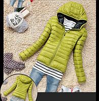 Лёгкая куртка осень-весна с капюшоном на тонком синтепоне