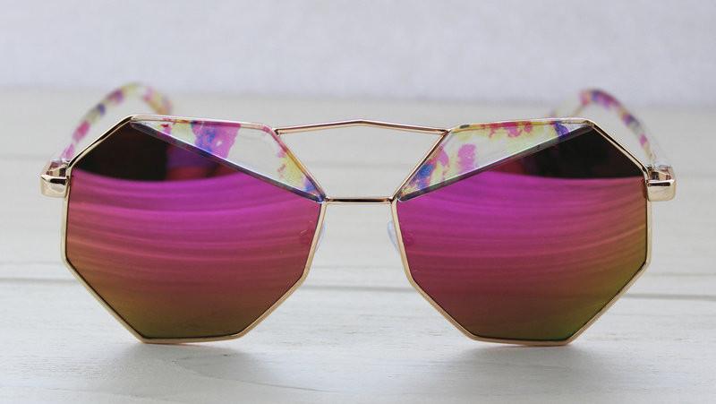 Геометрические женские солнцезащитные очки с зеркальными линзами