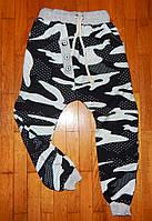 Детские спортивные штаны для мальчика Камуфляж черные 7 лет, фото 1