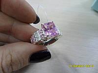 Кольцо с камнем розовый  кварц в серебре.