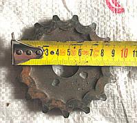 Звёздочка Z-15 шаг цепи t-19.5 диаметр отверстия  44мм.