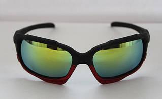Практичные мужские солнцезащитные очки для спорта в черно-бордовом цвете
