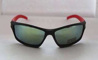 Строго спортивные мужские солнцезащитные очки