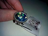 Кольцо с камнем австралийский опал (лаб.) в серебре.