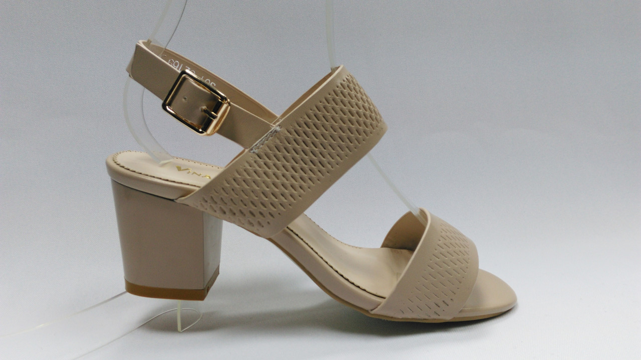 Открытые  босоножки на устойчивом каблуке.Маленькие (33 - 35) и стандартные (36 - 40) размеры.