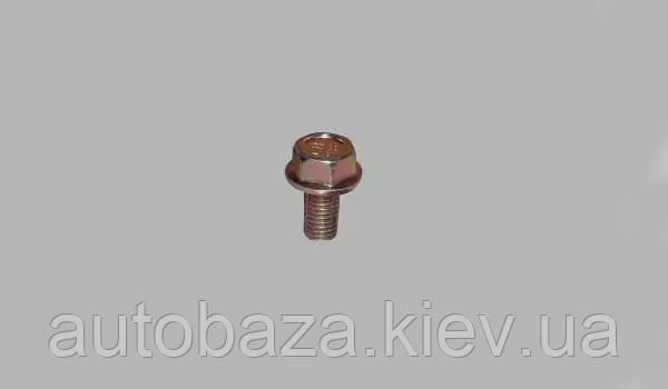 Болт  усилителя бампера Q1860816