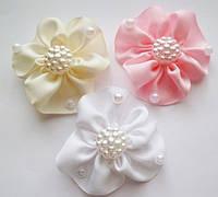 Детская резинка для волос(без шовная) Цветок с декором 5-5,5см (материал:репс)Цена за 1шт, Мин.заказ от 1пары