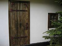 Двери под старину с элементами ковки. Полотно и коробка.