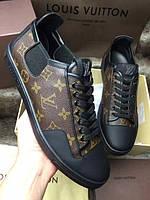 Кожаные кроссовки Louis Vuitton канвы Monogram