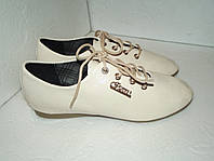 Новые лаковые туфли, р. 39(24.5см)