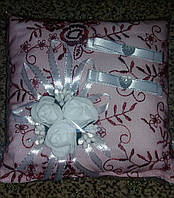 Свадебная подушка под кольца № 2 (бело-бордовая)