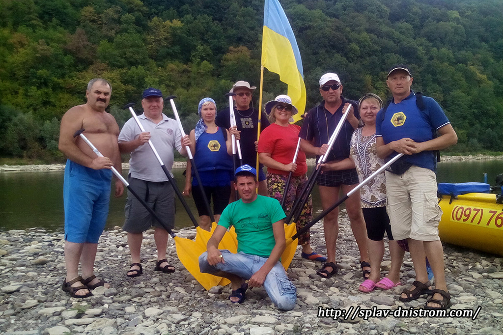 Сплав річкою Дністер  - відпочинок доступний кожному, від малого до людей старшого віку.