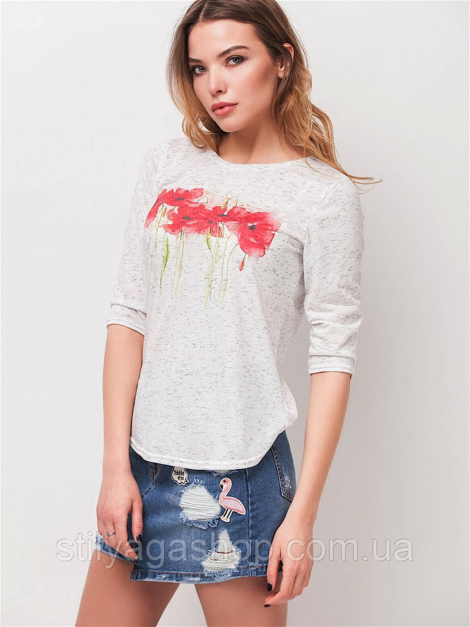 Удобная футболка из вискозы с принтом
