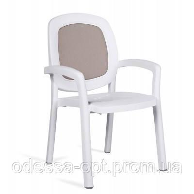 Кресло пластиковое белобеж