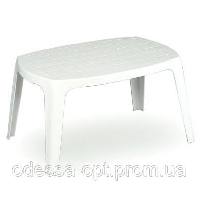 Стол цвета белый